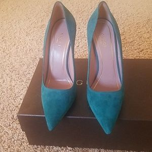 Gucci Turquoise pumps
